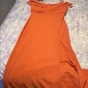 Long maxi dress with slit off